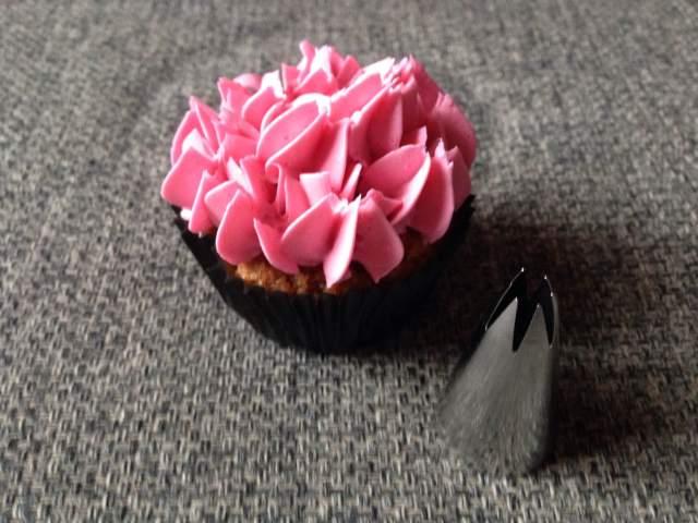 wilton_1m_dekorcso_cupcake_dekoraciok_tortaiskola-1 (1)