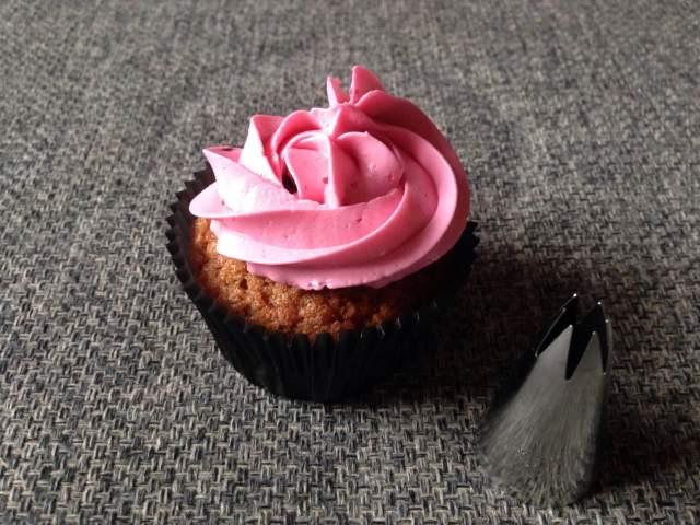 wilton_1m_dekorcso_cupcake_dekoraciok_tortaiskola-1 (2)