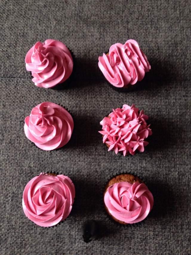 wilton_1m_dekorcso_cupcake_dekoraciok_tortaiskola-7