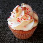 Karácsonyi fahéjas cupcake, mascarponés fehércsokis krémmel