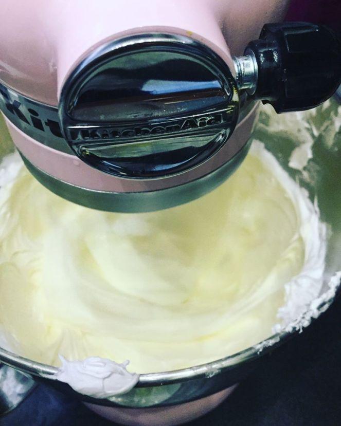 olasz_vajkrem-felezve-tortaiksola-recept-1 (4)