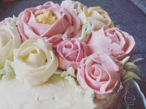 vajkremes-szulinapo-torta-tortaiskola-1 (4)
