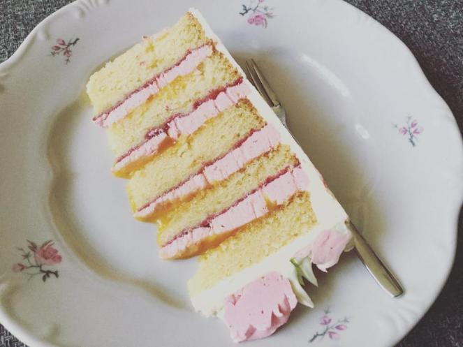 vajkremes-szulinapo-torta-tortaiskola-1 (5)