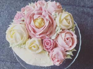 vajkremes-szulinapo-torta-tortaiskola-1 (6)