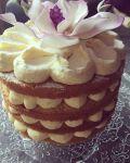 Nincs ötleted hogyan díszítsd a pucér tortádat?