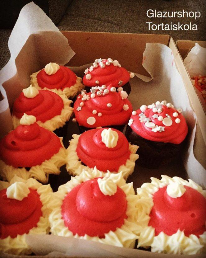 csokolades-cupcake-karacsony-tortaiskola-1