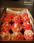 Mézes fűszeres cupcake, citromos pudingos krémmel