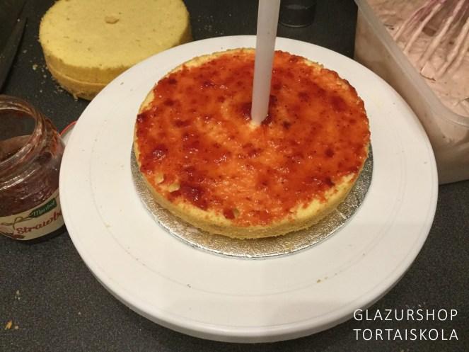 unikornis-torta-keszitese-tortaiskola-1-6