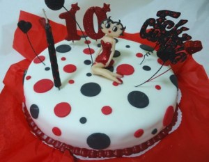 10 Hermosas tortas decoradas de Betty Boop (4)