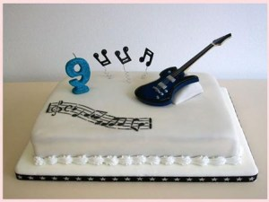 10 tortas decoradas con guitarras (2)