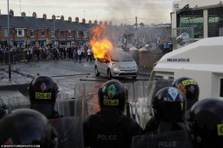 Belfast 13 July 2012 (2)
