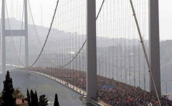 occupy-gezi-bridge-bosphorus-protest-turkey