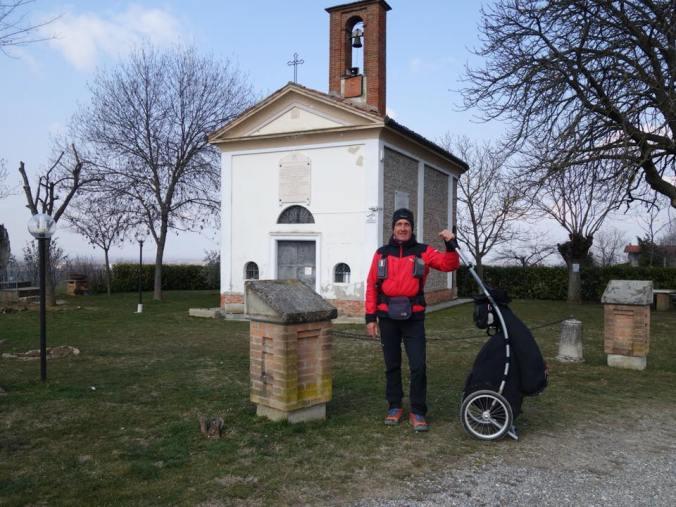 Andrea Gecele al Santuario della Fogliata, lungo la via Postumia