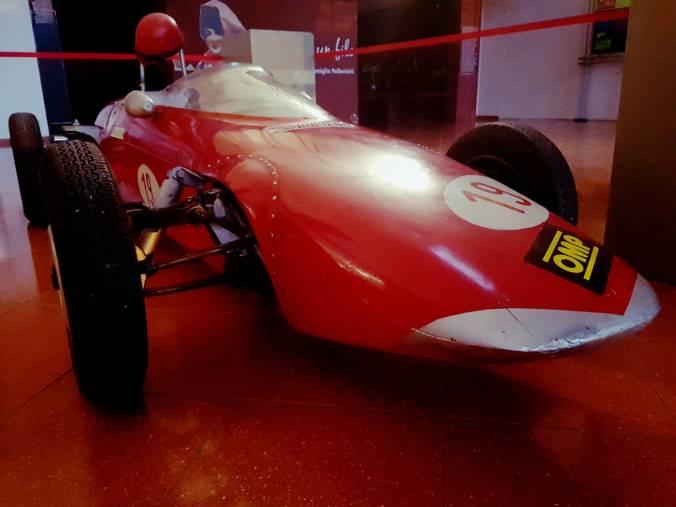 La prima auto da corsa di Lella Lombardi esposta al Museo dei Campionissimi