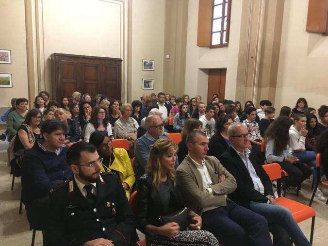 Il pubblico a Viguzzolo per la presentazione della ricerca sui ragazzi delle scuola