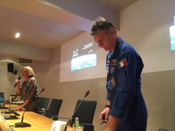 Il Vice Sindaco Marcella Graziano introduce Paolo Nespoli