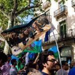 La bandiera del Quarto Stato di Pellizza da Volpedo sventola a Barcellona