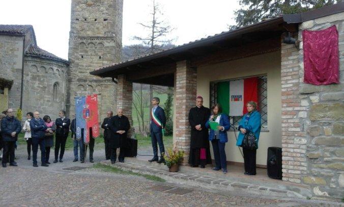 Cerimonia di intitolazione della piazza di Gremiasco ad Angelo Bassi