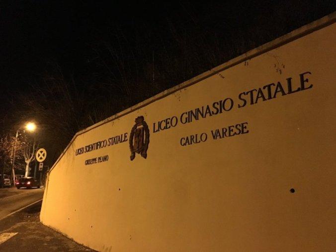 Insegna del Liceo Ginnasio Carlo Varese di Tortona