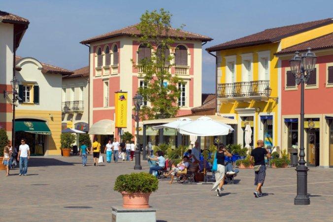 Foto Giornale sette Outlet di Serravalle