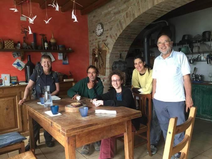 Mike e Marsha (da un paese vicino al lago Michigan, US) e Hans (Austria) con Chiara e Barbara