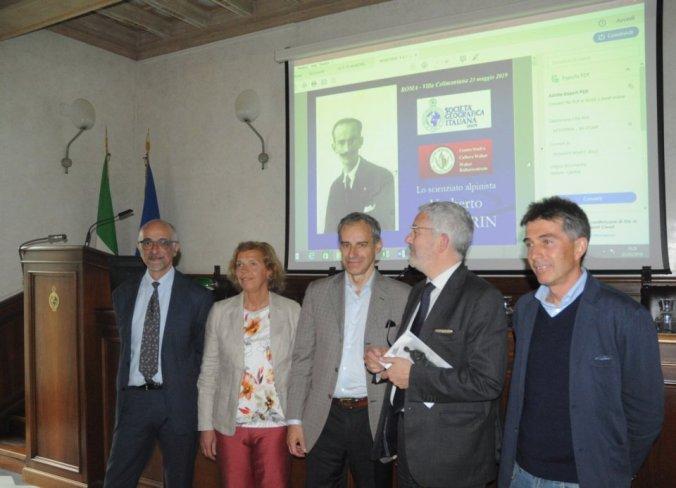 Nella fotografia, da sinistra Soffiantini, i nipoti Marta e Umberto Monterin, il prof. Antonio Ciaschi ed il prof.MicheleFreppaz.