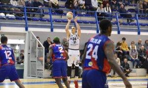 La Bertram Derthona Basket rimonta Biella e vince all'overtime