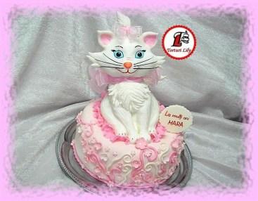 tort pisica aristocrata marie