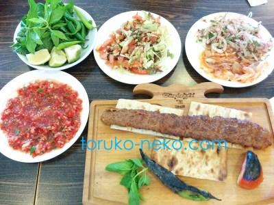 トルコ メルスィン、アダナのアダナ・ケバブというトルコ料理