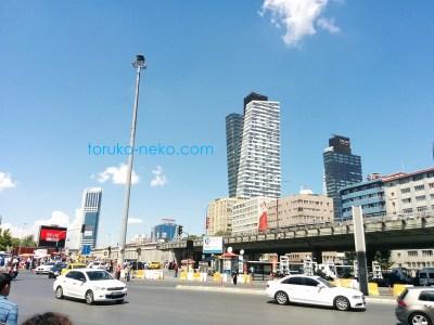 trump トルコ イスタンブールにあるドナルド・トランプ氏の親族のビル、trump towers トランプタワーが2棟そびえ立っている