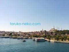 トルコ イスタンブールの ゴールデンホーン 金角湾 の寺院などの美しい景色の画像 写真