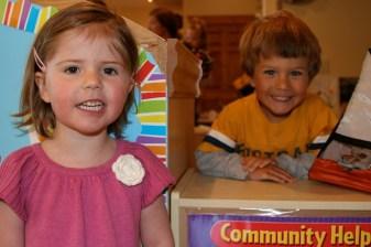 Soph and Tory together at preschool (via Sam)