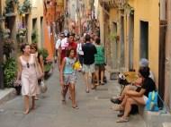 portovenere-busy-street-view
