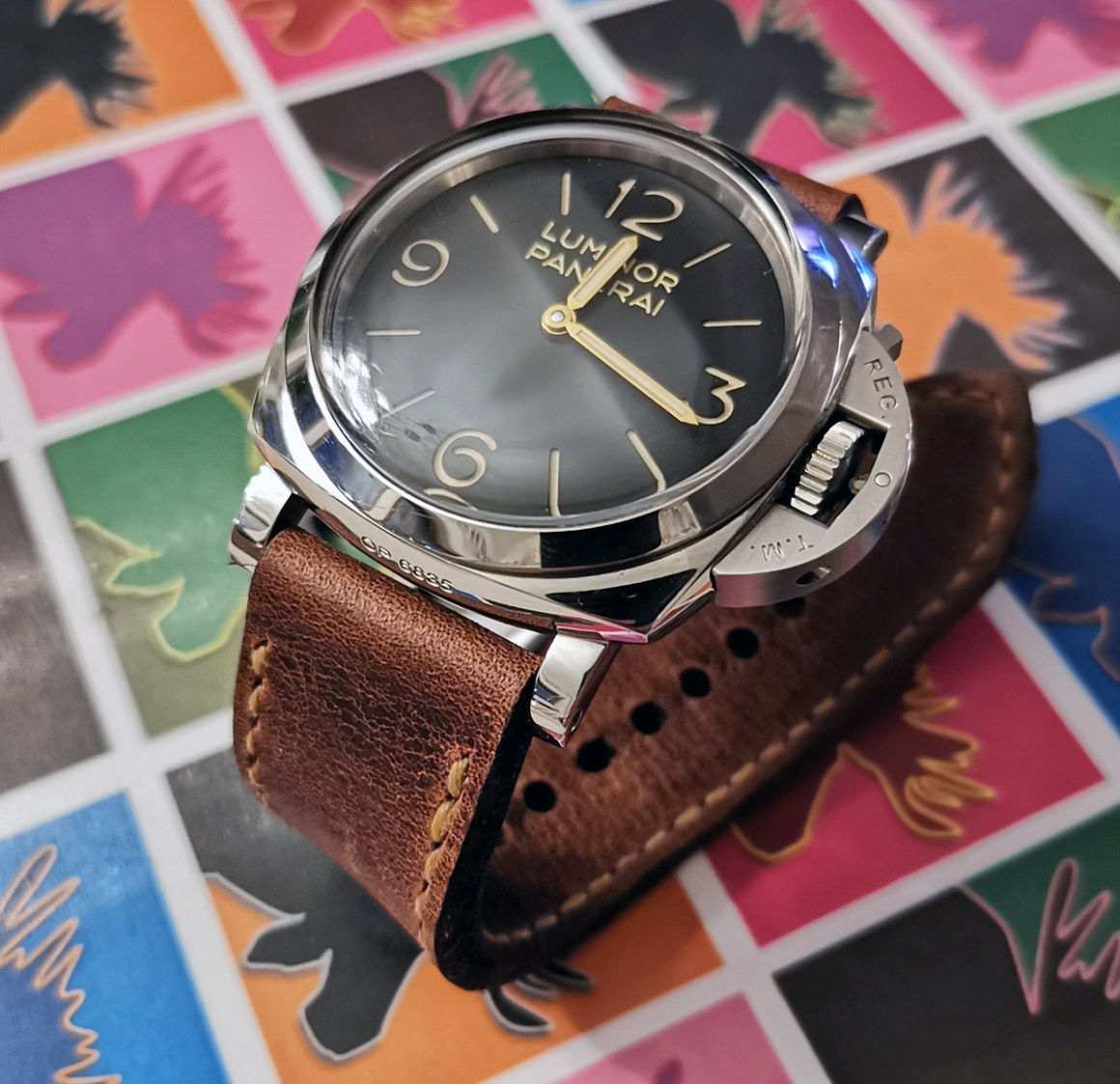 Panerai 372 on Phantom leather with buttersctoch stitching. © Peter Cassman
