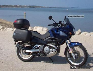 suzuki-xf-650-freewind-2000-1