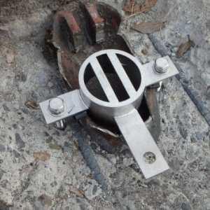 橋梁用排水で補修時の目皿例