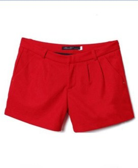 Mid-waist Red Shorts with Pleats Detail