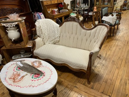Victorian Upholstered Tufted Settee