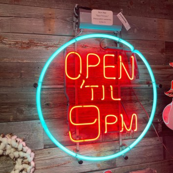 Isn't this awesome? Vintage Neon Open Sign!
