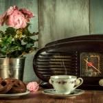 ラジオを聞きながらのティータイム