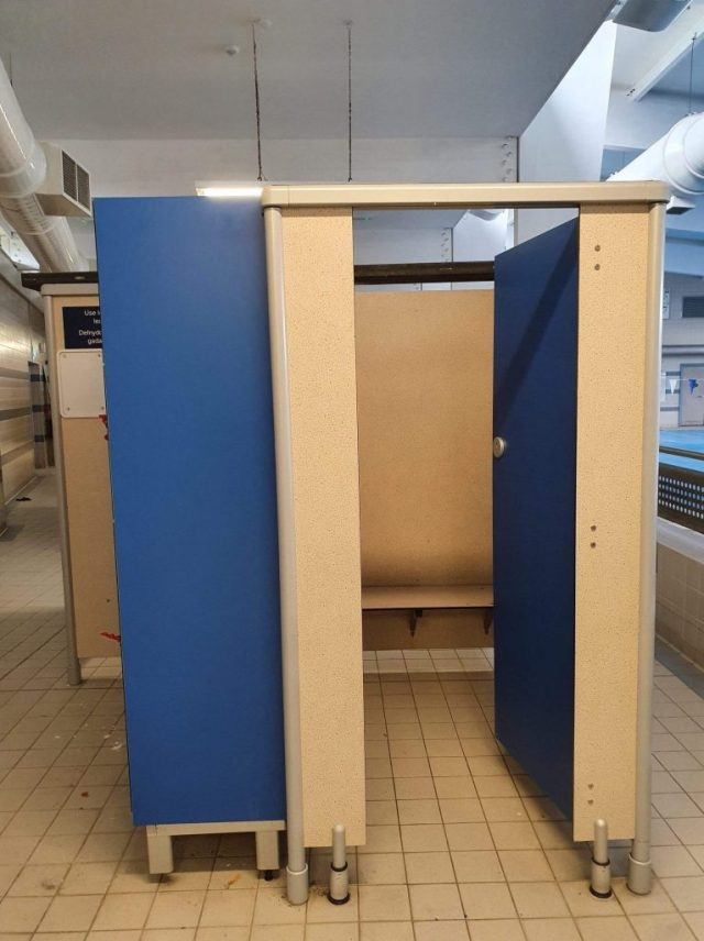 Leisure cubicles replacement doors and hardware