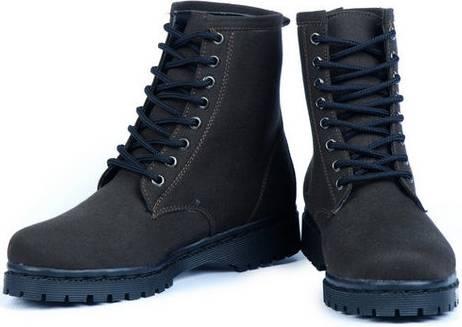 Model Sepatu Boots