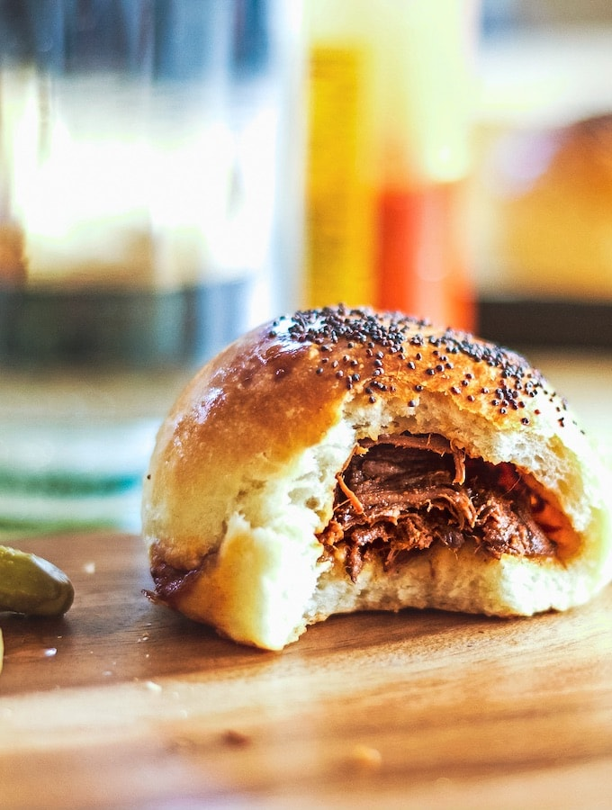 Baked meat buns