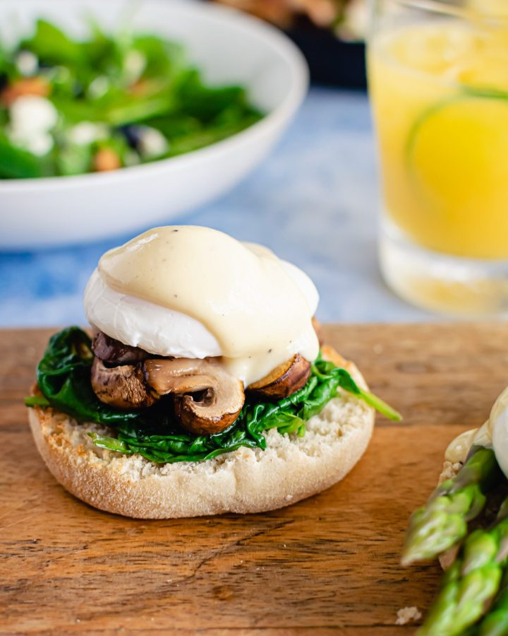 eggs Benedict with mushrooms and spinach, brunch ideas for a crowd