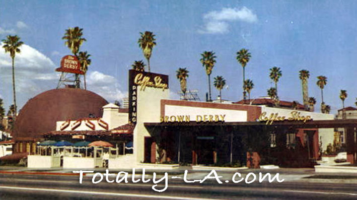 Brown_Derby_on_Wilshire_1952