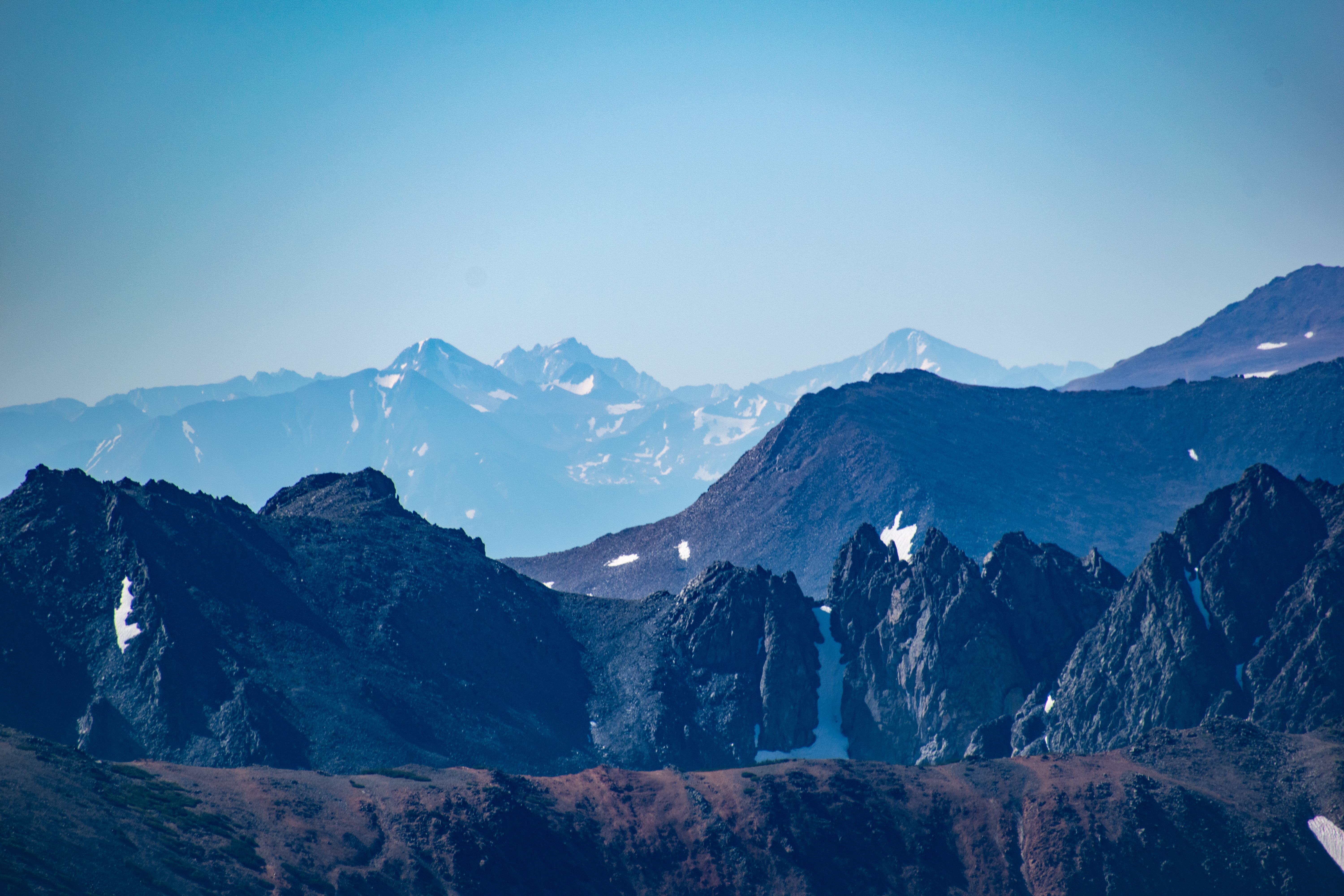 Bloody Mountain, Red Slate Mountain, Bear Creek Spire, Mts Dade, Abbot and Mills, and Mt Gabb.