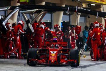 Kimi Raikkonen pit stop at Bahrain GP 2018