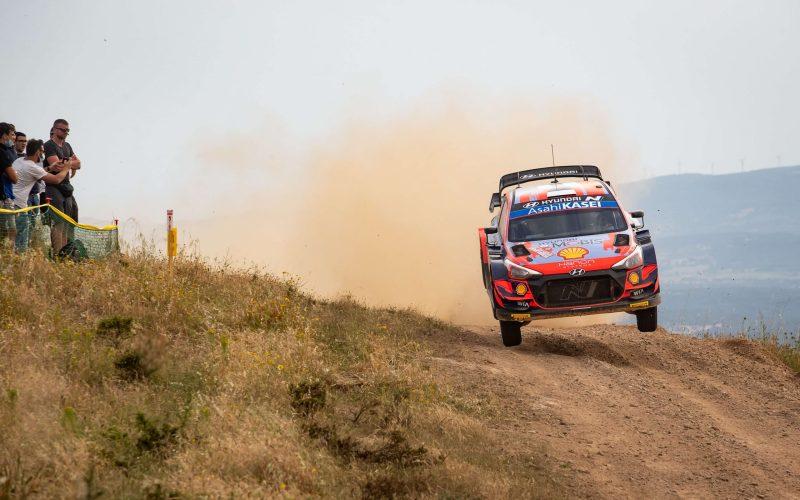 Ott Tanak Hyundai i20 Coupe WRC Rally Italia Sardegna 2021 Broken Suspension