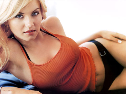 Elisha Cuthbert is HOT and LOVES hockey.  She'll probably be at opening night.  How about some lovely readers out there?