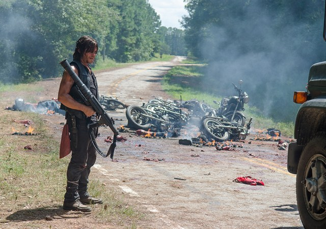the-walking-dead-episode-609-daryl-reedus-4-935